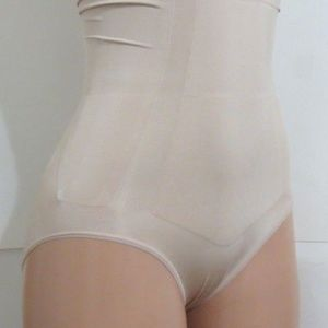 SPANX OnCore High-Waisted Brief Tan M